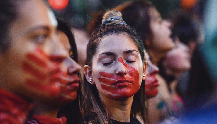 Au Chili, les étudiantes dans la rue depuis trois mois bousculent la domination masculine Arton6844