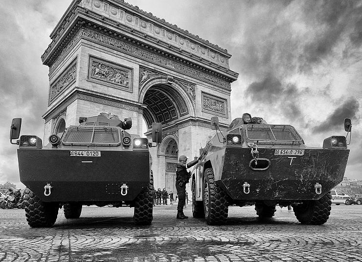 Convergence des luttes. Appel au 5 mai. La Fête à Macron !  - Page 3 Arton7079