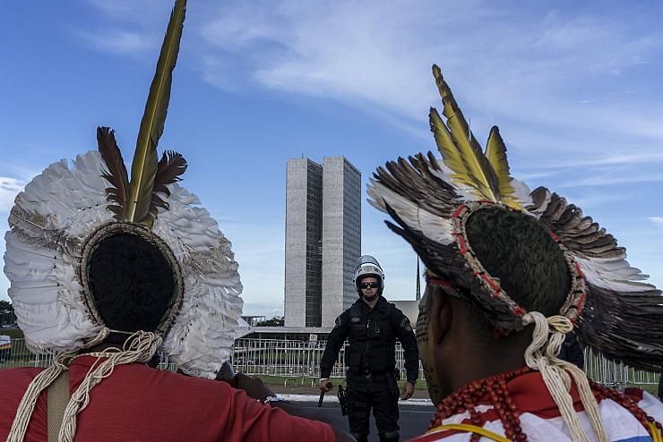 Malgré la destruction de l'Amazonie, les dirigeants européens négocient un traité commercial avec le Brésil