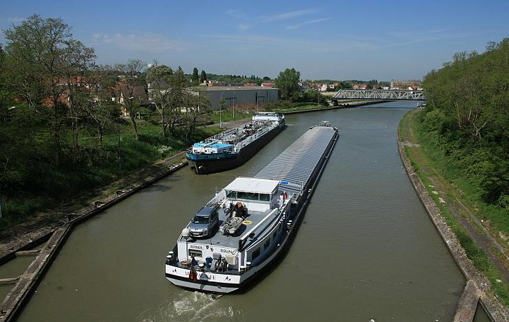 En France, malgré un intérêt écologique évident, le transport fluvial agonise lentement
