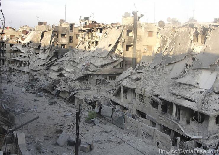 Une rue d'un quartier rebelle « évacué » par le régime à Homs